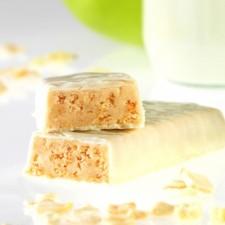 Crunchy apple snack bar