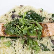 Risotto de espinacas y salmón ahumado